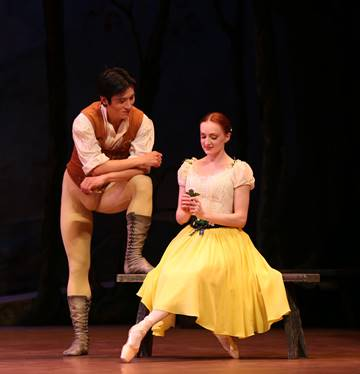 Giselle Royal New Zealand Ballet Qi Huan as Albrecht and Gillian Murphy as Giselle image Evan Li